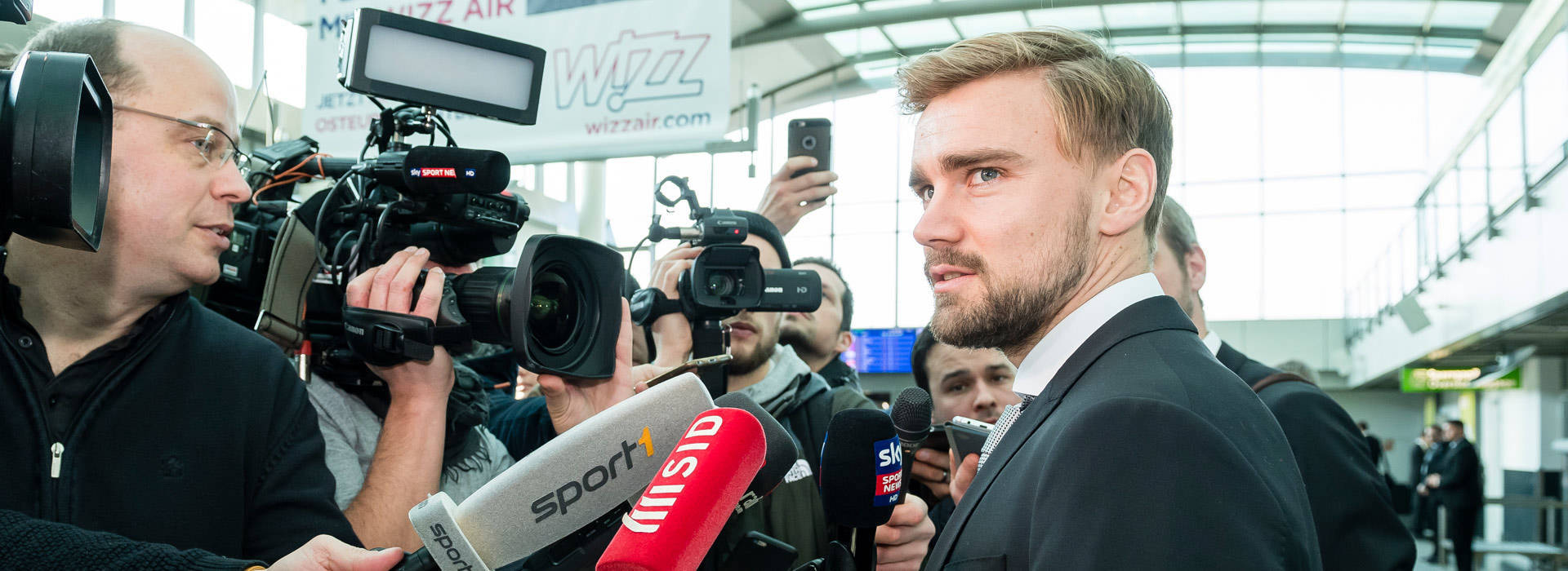 Schmelzer on Italy-bound plane