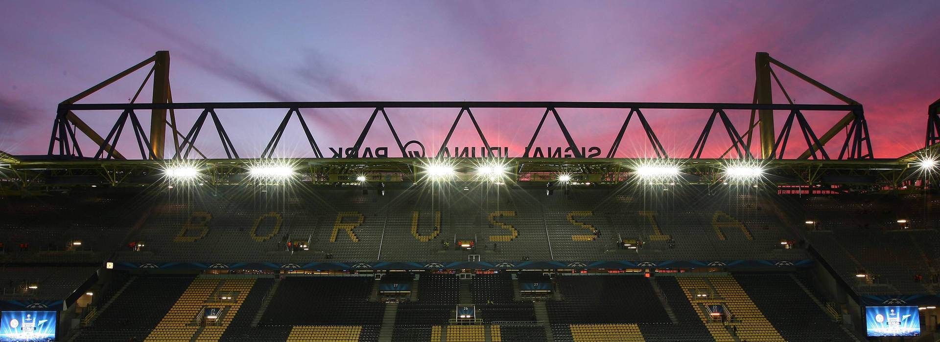Christmas Carols with 30,000 voices in the Signal Iduna Park
